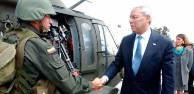 Colin Powell besøger Colombia