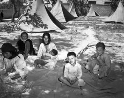 Palæstinensiske flygtninge i Syrisk modtagelsescenter. Damascus 1948. /UN Photo