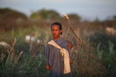 En ung somalisk pige, der bor i en flygtningelejr