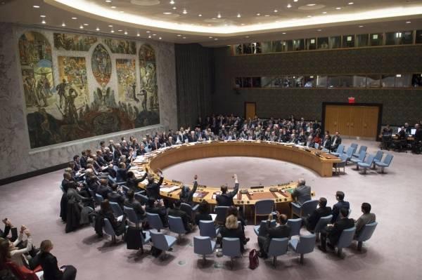 Sikkerhedsrådet vedtager en resolutionom at arbejde for fredsforhandlinger i Syrien. billedet er fra d. 18december 2015. Foto: UN Photo/Eskinder Debebe
