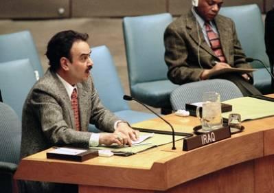 Den irakiske FN ambassadørtaler til Sikkerhedsrådet i 1998, hvorde amerikansk-britiske militæraktioner mod Irak diskuteres. Foto: UN Photo/Evan Schneider